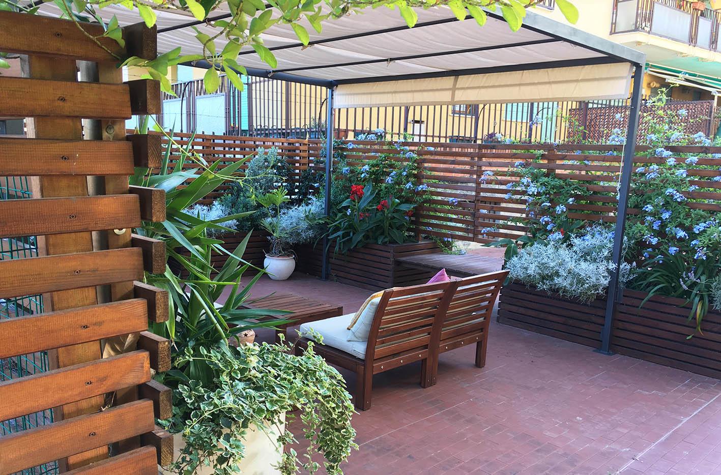 Legno e colori - Progettazione terrazzo Genova (1)
